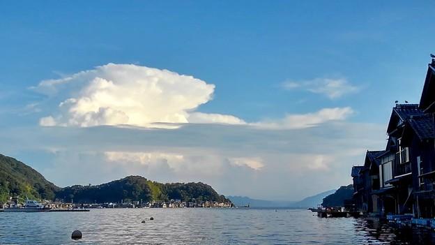 入道雲と舟屋群
