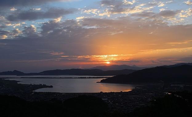 一字観公園から観る朝陽(2)