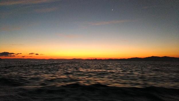 晩秋の若狭湾ブルーアワー