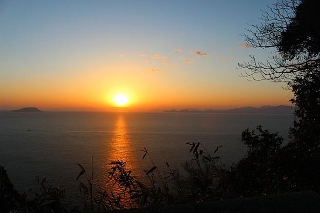 若狭湾に昇る朝日(2)