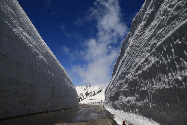 室堂 180514 10 雪の大谷