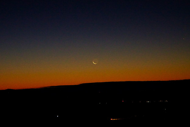 月が昇ってきたね
