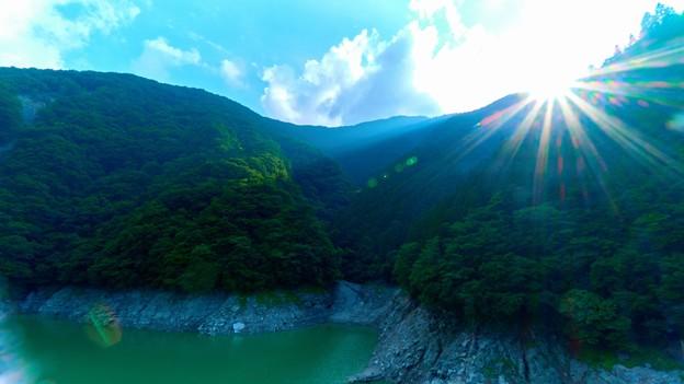 Photos: 大洞川吊り橋中間-南側