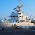 Photos: 最新鋭の計器類がどっさり搭載されているような印象の調査船豊潮丸