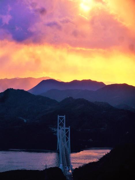 しまなみ海道の夕陽@布刈の瀬戸・因島大橋