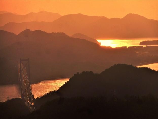 写真: 光る海峡・しまなみ海道@因島大橋・布刈の瀬戸