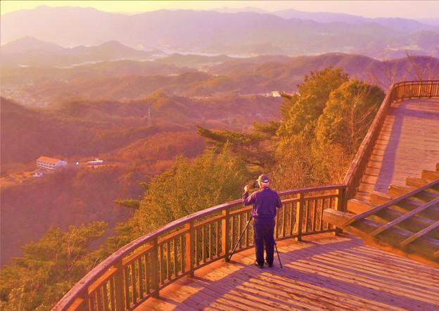 夕陽マニアのおじさん@展望デッキ@高見山展望台