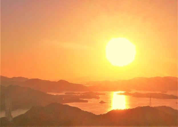 Photos: しまなみ海道・布刈瀬戸の夕陽@高見山展望台