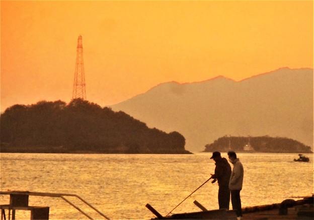 休日の釣り人たち@瀬戸内海・赤石の鼻
