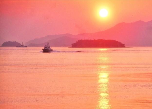 麗らかな早春の瀬戸内海・燧灘の夕陽2019.1.5