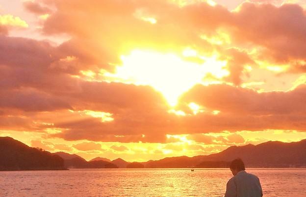 帰省客のいる 師走の夕陽@瀬戸内海・燧灘