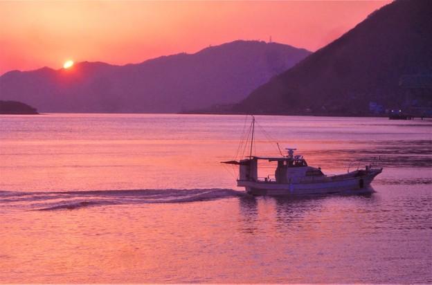 早春の夕暮れの海@燧灘(ヒウチナダ)