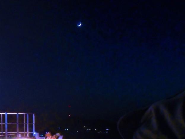 海上の三日月@晩秋の駅前散歩@瀬戸内海
