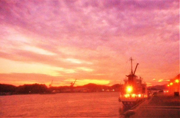 秋の夕暮れの海@瀬戸内海