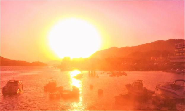 秋の瀬戸の夕暮れ@新浜港@秋の黄砂が飛来した日
