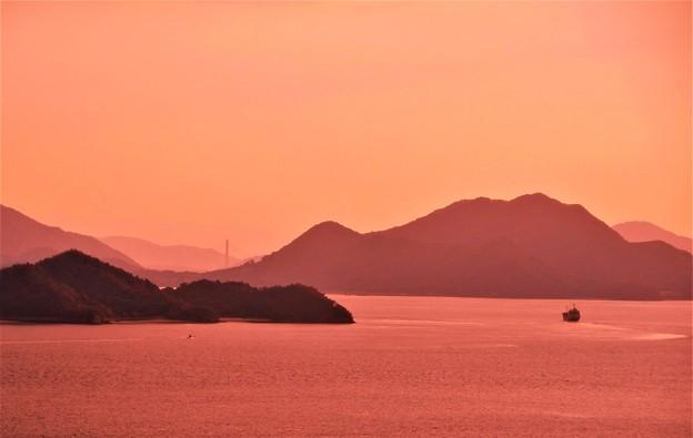 遥かしまなみ海道(因島大橋)が見える@瀬戸の夕暮れ@糸崎の丘