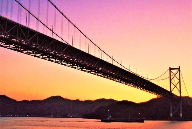 因島大橋・布刈瀬戸の夕暮れ・残照@師走のしまなみ海道