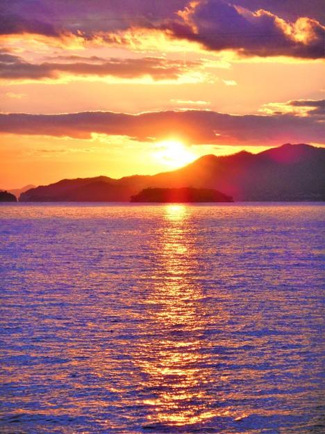 クジラ島の夕陽@瀬戸内海・燧灘2020.1.5