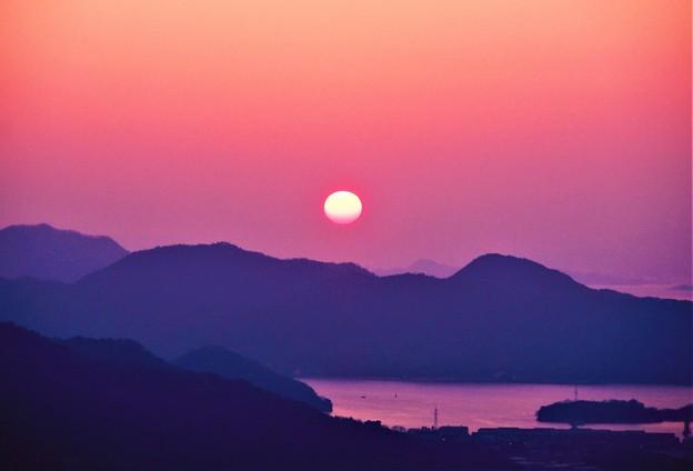 立春のしまなみ海道の夕陽@高見山山頂展望台