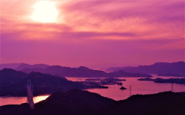 因島大橋の夕暮れ@建国記念の日の瀬戸内海
