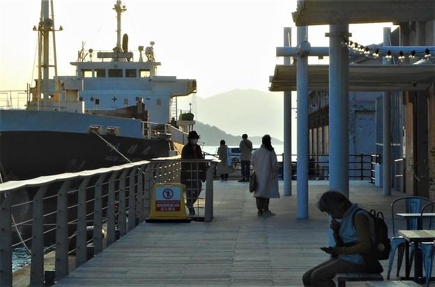 Photos: 海の見えるウッドデッキ@春めく瀬戸内海