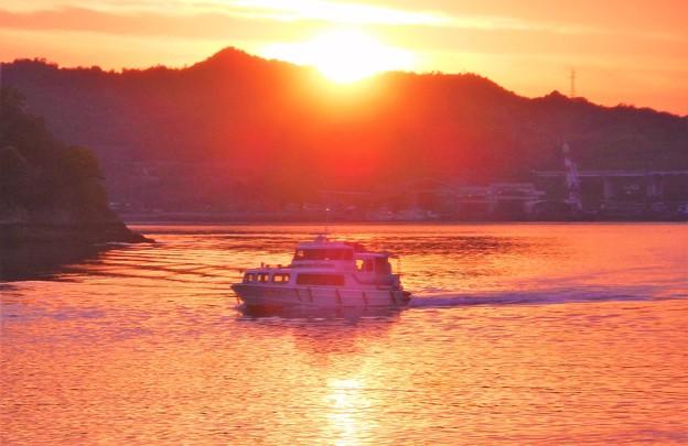夕陽の連絡船@瀬戸内海 因島土生港