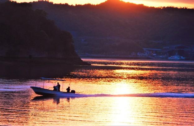 立夏過ぎの 瀬戸は日暮れて@因島土生港