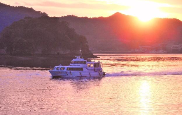 夕暮れの定期船 しまなみ丸@瀬戸内海 因島土生港