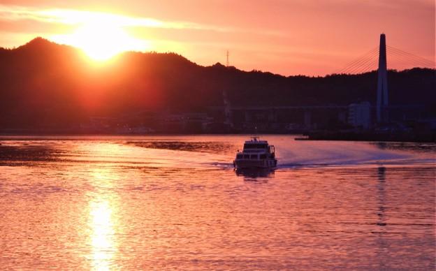 しまなみ海道 夕陽の連絡船 しまなみ丸入港@因島土生港