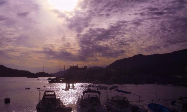 光る海と秋の空@瀬戸内海