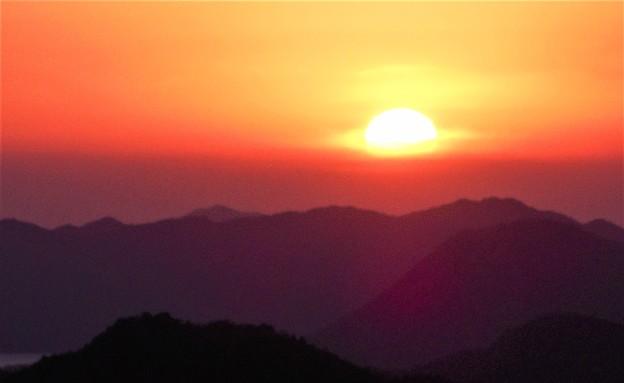 新春四日の沈む夕陽@瀬戸内海しまなみ海道