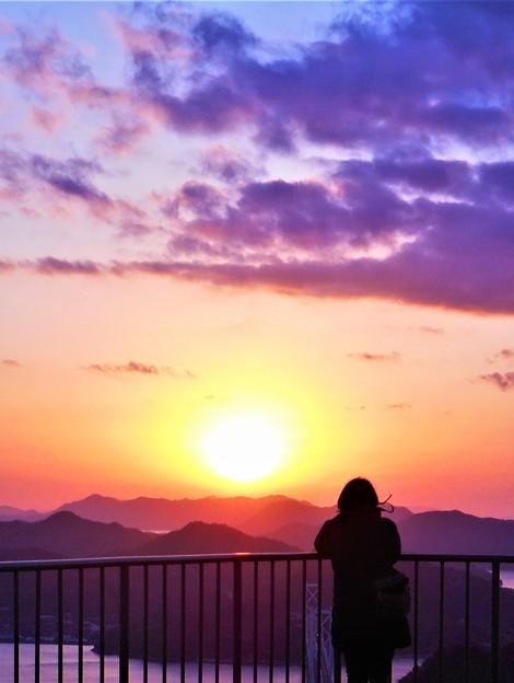 正月四日の夕陽@しまなみ海道・因島大橋@高見山展望台