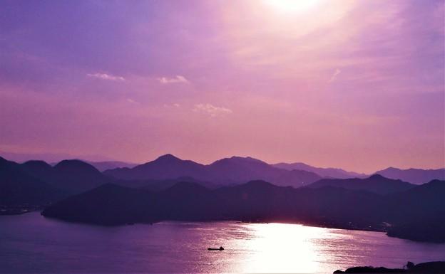 Photos: 早春四日の輝く海峡@しまなみ海道