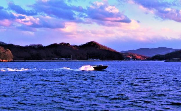 Photos: 新春の荒海を疾走する@ガンツウ丸のテンダーボート21.1.9