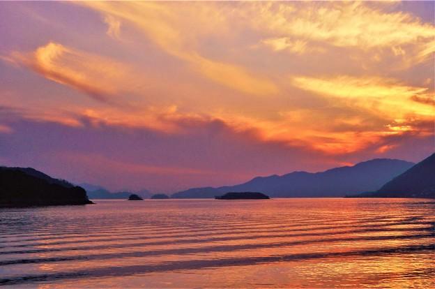 Photos: 定期便が通過した後@瀬戸内海冬景色21.2.12