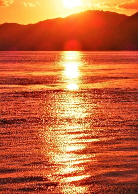 二月の燧灘の落陽@瀬戸内海