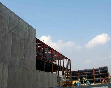 蟹江ニュータウン(仮称) 8月11日 オープン予定で建設中