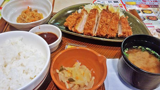 ガスト ( 成増店 ) 豚ロースのとんかつ定食  2017/10/23