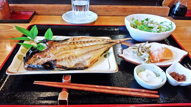 だいこん ( 練馬区旭町 or 成増 ) 焼魚定食 ( アジの開き )  2019/05/18