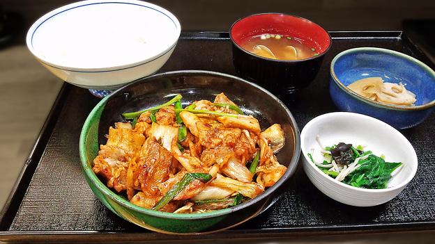 花水木 ( 成増 ) 豚キムチ定食  2019/11/07