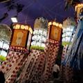 写真: 七夕まつりの竹飾り