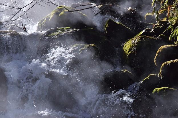 写真: 湯しぶき
