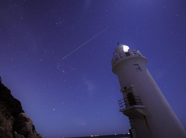 夜の伊良湖岬