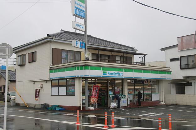 ファミリーマート 土屋八日市場駅前店
