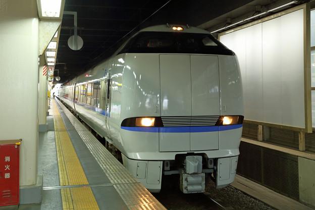 特急サンダーバード(大阪寄りの先頭)