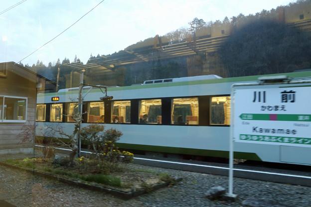 列車交換@川前駅