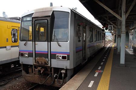 山陰本線長門市駅(キハ120)