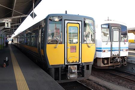 山陰本線益田駅(キハ187、キハ120)