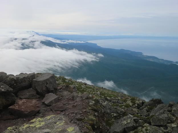 斜里岳 網走方向、右にオホーツク海です