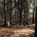 写真: キャンプサイトの清掃班